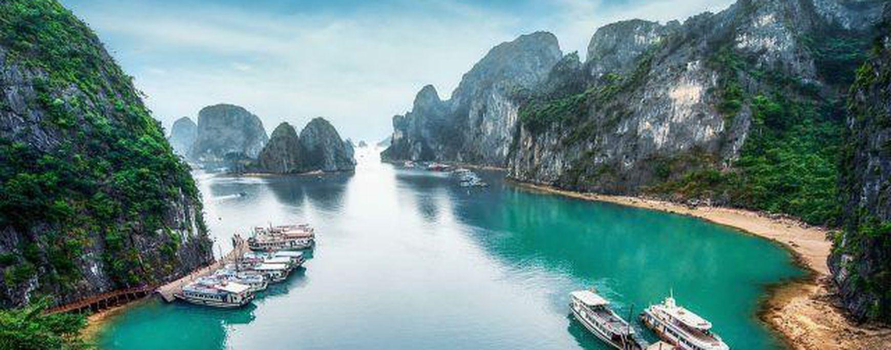 Thưởng thức mùa đông trong lòng Lan Hạ từ Du thuyền Indochine