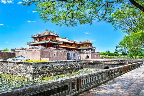 Du lịch Việt Nam năm thứ hai liên tiếp đạt giải thưởng Điểm đến Di sản hàng đầu thế giới.