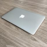 Macbook MD711 Full Box - Máy Đẹp 99% - Chip Core i5 / Ram 4G / Ssd 128G / 11.6' / Pin Tốt
