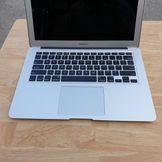 Macbook Air MQD32 ( 2017 ) - Core I5 / Ram 8G / Ssd 128G / 13 Inch / Pin 7H / Máy Đẹp 99% .