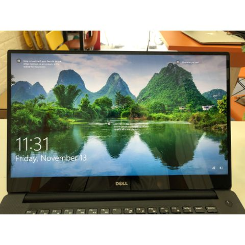 Dell Precision 5520 (i7-7820HQ | RAM 16GB |SSD M.2 NVMe 512GB | 15.6