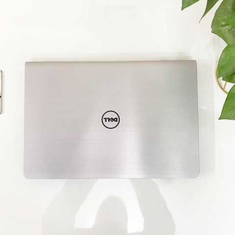 "Laptop Cũ Dell Inspiron 5547 Core i5 4210U/ Ram 4Gb/ HDD 500GB / AMD Radeon R7 M260 / Màn 15.6"" HD"