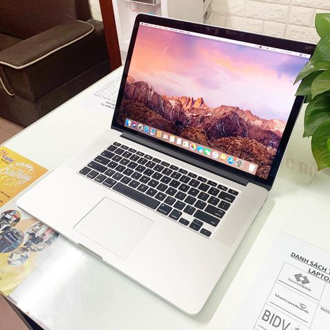 MacBook Pro 15 inch 2014 (Core i7 2.2Ghz / Ram 16GB / SSD 256GB / 15.4 inch )