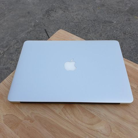 Macbook Air MQD32 ( 2017 ) - Core I5 / Ram 8G / Ssd 128G / 13 Inch / Pin 7H / Máy Đẹp 99% .