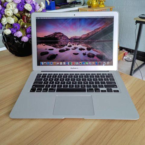 Macbook Air MD231 - Core I5 / Ram 4G / Ssd 128G / 13.3 Inch / Pin Tốt / Đẹp 98%
