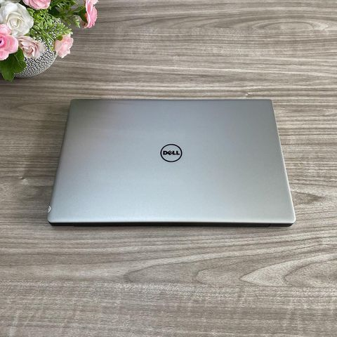 Dell XPS 9350 - I5 6300U / Ram 8G / SSD 256G / Màn 13.3' 3K Cảm Ứng / Máy Đẹp