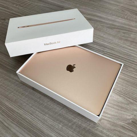 Macbook Air 2018 - Màn 13 Inch Retina - Core I5 / Ram 8G / Ssd 128G / Sạc 69 Lần / Đẹp 98%