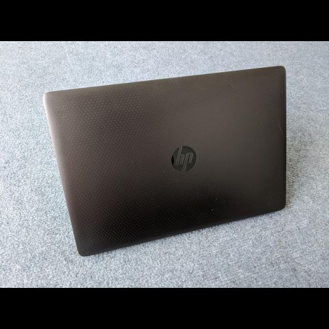 HP Zbook 15 g3 Studio ( i7-6700HQ | RAM 8GB |SSD 256GB | 15.6 inch FHD 1920×1080 | Card NVIDIA Quadro M1000M 2gb GDDR5 )