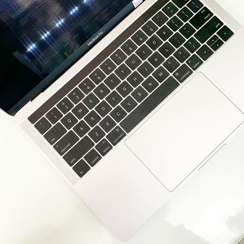 MacBook Pro 13 inch Touch Bar 2016 (Core i5 2.9Ghz / Ram 8GB / SSD 256GB / 13 inch )