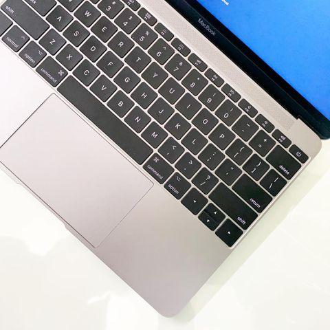 The New Macbook 12'' 2017 ( Core M3 / Ram 8GB / SSD 256GB / Màn hình 12 inch / Grey)