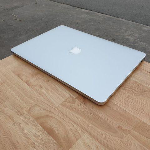 Macbook Pro Retina MC976 - Chip Core I7 / Ram 8G / Ssd 512G / Màn 15 Inch Retina / Đẹp 97%