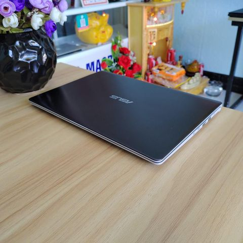 Asus Vivobook S14 S430UA - Chip I3 8130U / Ram 4G / Ổ 1000G / Màn 14' Full HD / Win 10 Bản Quyền
