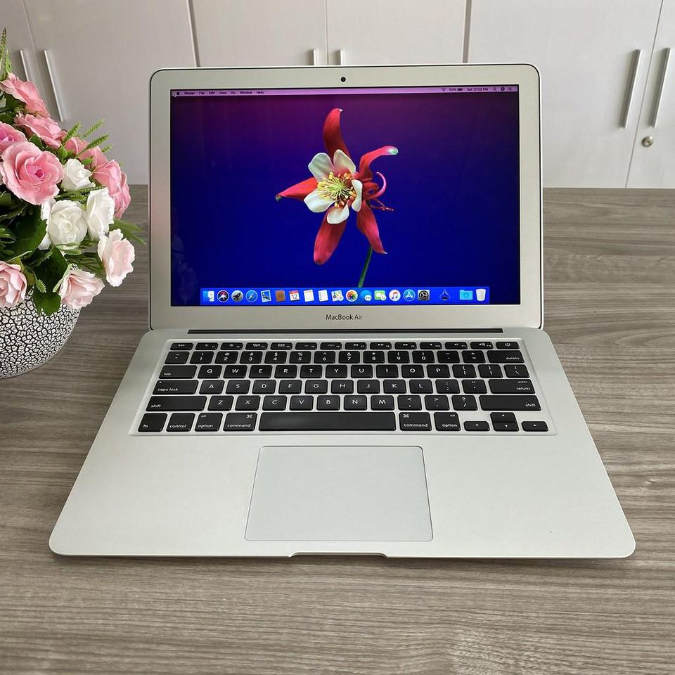 Macbook Air MJVE2 ( 2015)  - Chip Core I5 / Ram 4G / SSD 128G / 13.3' / Đẹp 98%