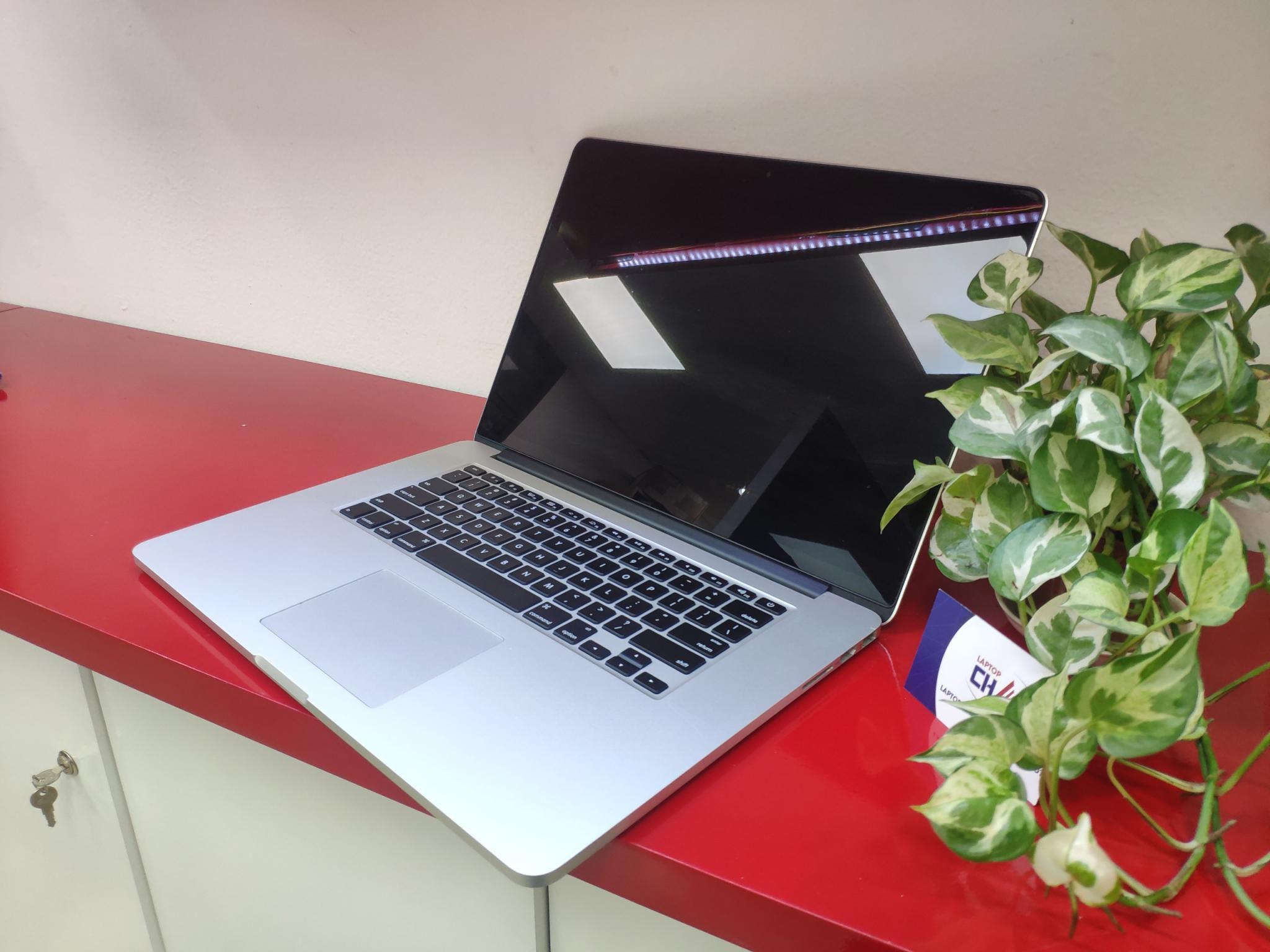 Macbook Pro Retina 15'' -2015 - MJLQ2 - Quad I7 16GB 256GB SSD
